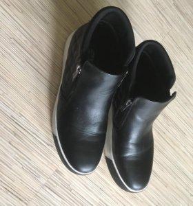 Чёрные ботинки Keddo