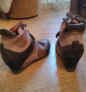 Ботинки женские р.38