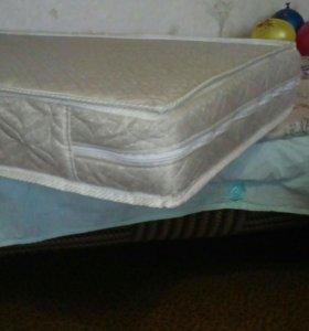 Матрасик в детскую кроватку.
