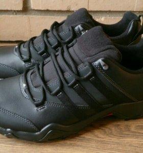 Кроссовки Adidas (41,5)