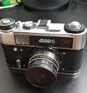 Фотоаппарат ФЭД 5 с чехлом и автоспуском