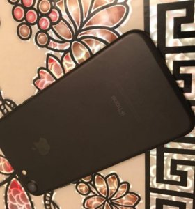 Продаю Айфон 7-128