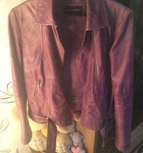 Кожаная куртка( натуральная кожа)