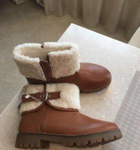 Ботинки и полупальто Zara.