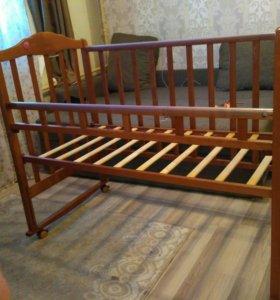 Кроватка с низким бортом