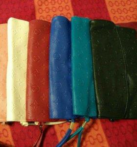Клатчи разных цветов