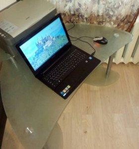 Угловой стеклянный компьютерный столик