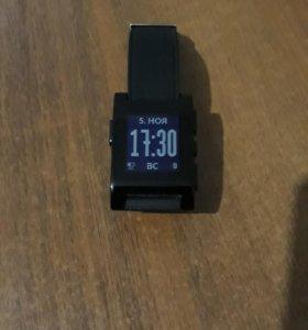 Смарт часы Pebble