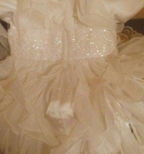 Шикарное белое платье на девочку