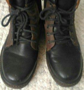 Ботинки для мальчика-подростка
