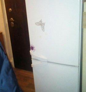 Холодильник indesit двухкамерный