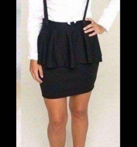Чёрная стильная юбка