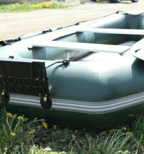 Лодка YUKONA