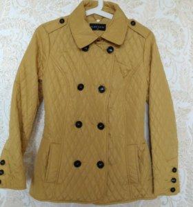 Курточка легкая,практически новая