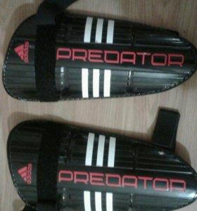 Adidas predator training защита на голень.