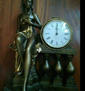 Часы каминные Купальщица