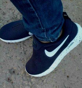 Новые кросы унисекс