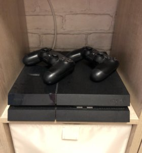 Sony PlayStation 4 + 7 популярных игр.