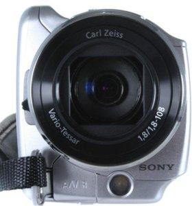 Видеокамера Sony Carl Zeiss DCR-SR68E