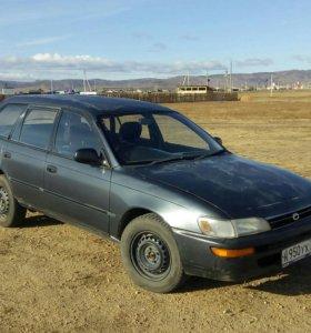 Тойота Королла 1992г .