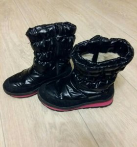 Зимняя обувь для девочки 32 размер.