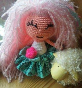 Вязаная куколка Пушинка