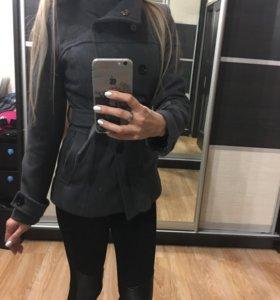 Пальто xs