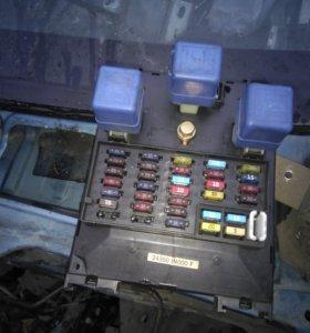 Продам блок предохранителей Nissan Almera N15