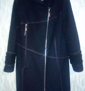 Женское пальто,зимнее.