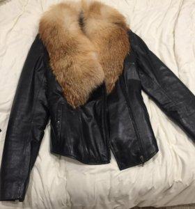 Кожаная куртка с натуральным мехом лисы (новая)