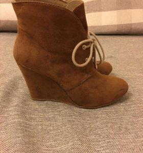 Ботинка Zara