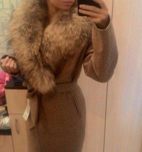 Пальто с натуральным мехом(новое)