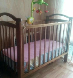 Кроватка + мобель + матрас + клеёнка