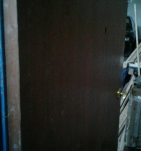 Дверь железная капитальная.