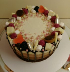 """Муссовый торт """"Три шоколада"""""""