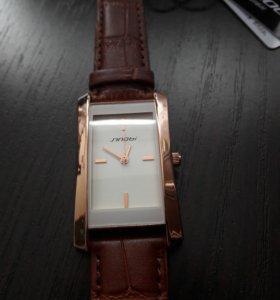 Часы женские Новые!