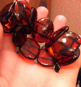 Бусы и браслет из янтаря