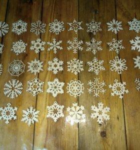 Елочные игрушки снежинки