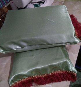 Две подушечки