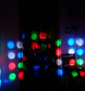 Световой LED прибор для клубов и баров Revo Sweep.