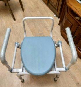 кресло -туалет fs 696