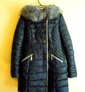 Тёплая приталенная куртка (пуховик)