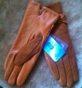 Кожанные женские перчатки