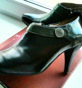 Фирменные туфли 37