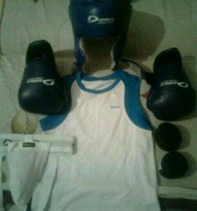 Продам спортивный комплект для тайского бокса