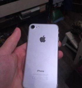 Белый iPhone 7 (64) реплика новый