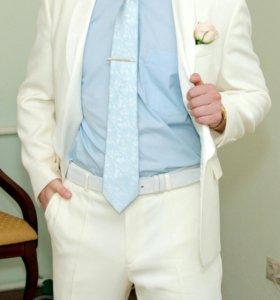Кремовый фрак фирмы франт свадебный костюм