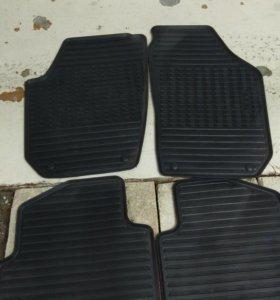Новые оригинальные резиновые коврики Skoda Fabia