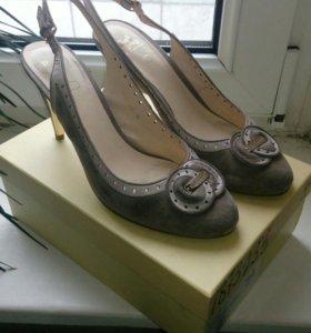 Туфли замшевые Modda Donna