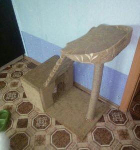 Кошкин дом с подиумом и когтеточкой